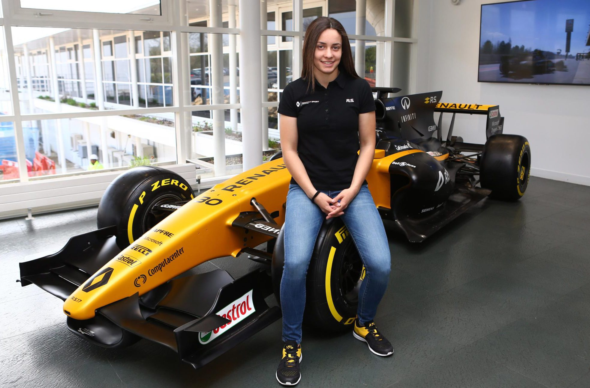 Marta García se clasificó en la 4ª posición en el Campeonato de Europa CIK-FIA OK de Europa y en la 9ª en el WSK OK Super Masters el año pasado y fue la ganadora del CIK-FIA Academy Trophy en 2015.