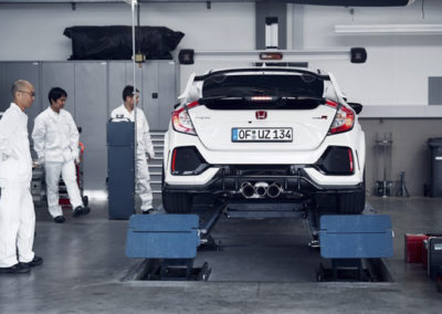 2017 HONDA CIVIC TYPE R SETS NEW FRONT-WHEEL DRIVE LAP RECORD AT