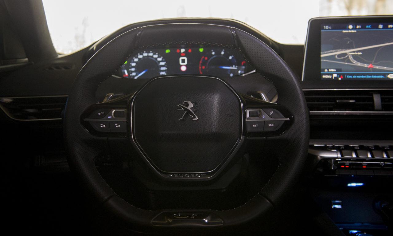PEUGEOT 3008 BlueHDi180 GT